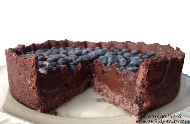 tarta cu ciocolata si afine