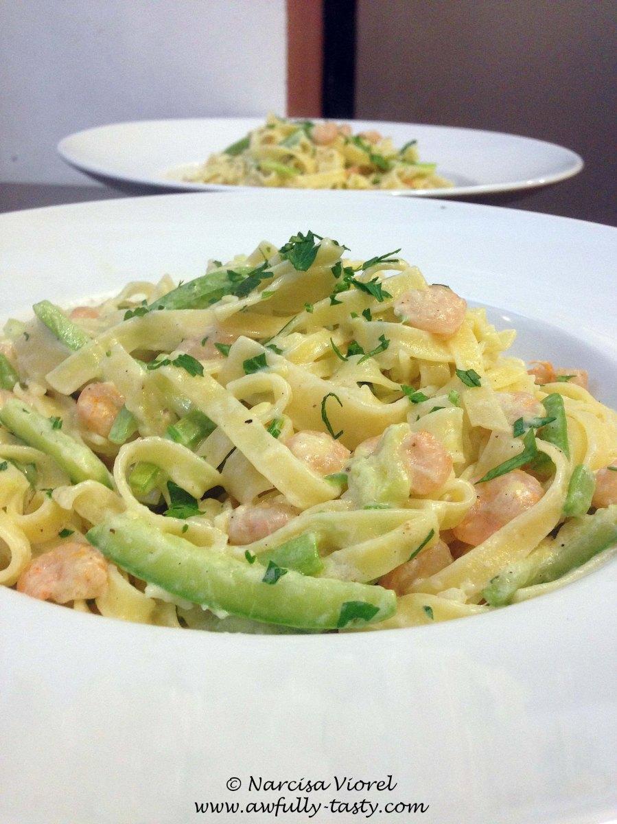 Tagliatelle cu zucchini și creveți