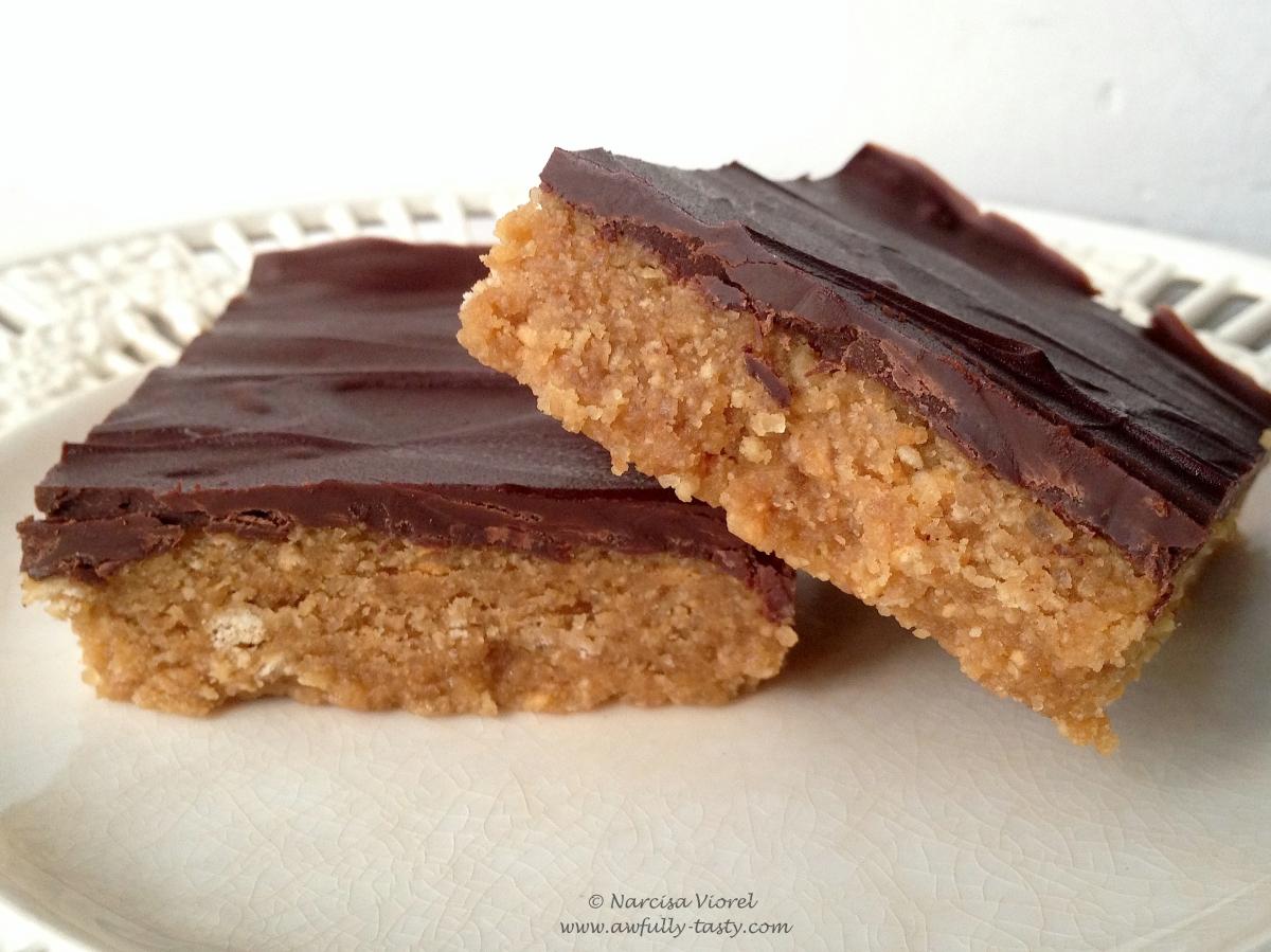 Prăjitură cu unt de arahide și ciocolată, fără coacere