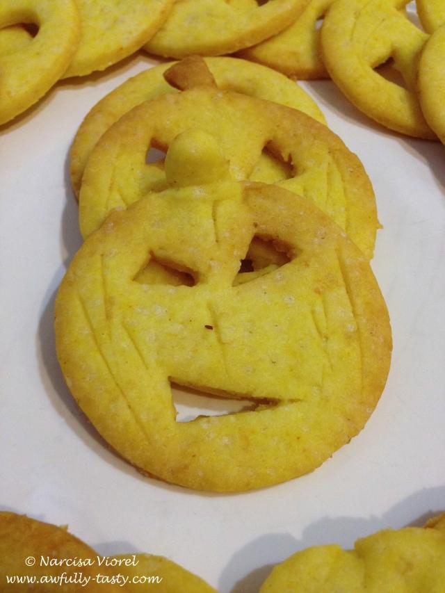 angry pumpkin cookies