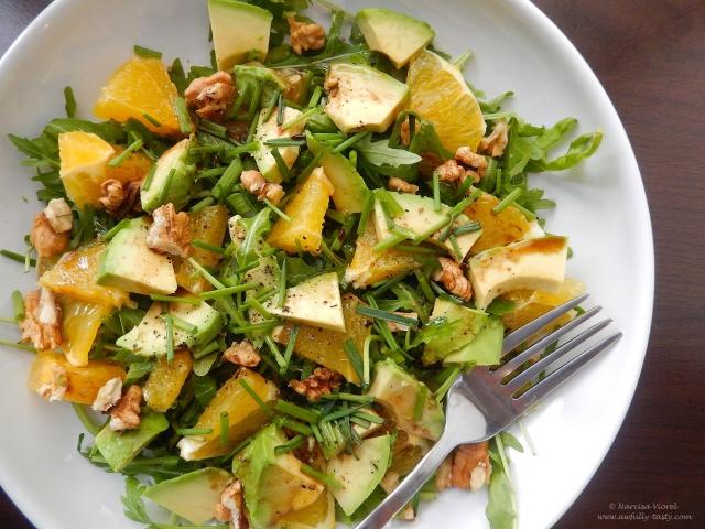 salata cu avocado, rucola, portocala