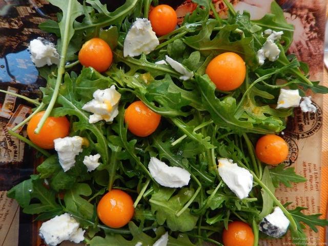 salata cu physalis si branza de capra