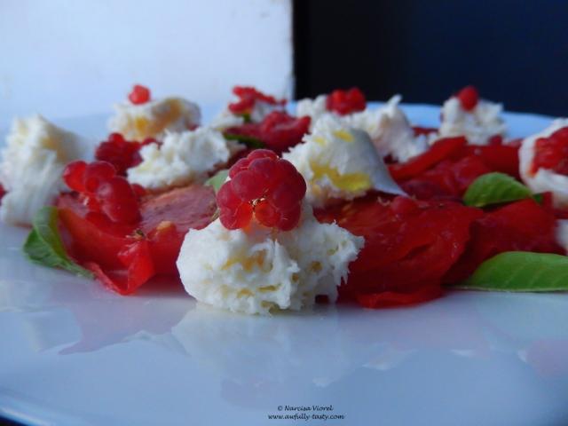 carpaccio cu rosii si zmeura