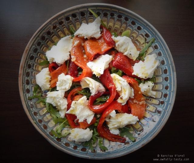 salata ardei copti cu mozzarella