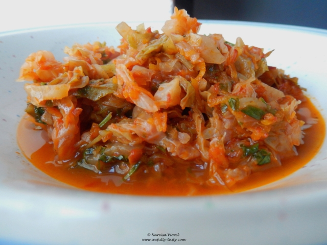 varza dulce calită cu sos de roșii