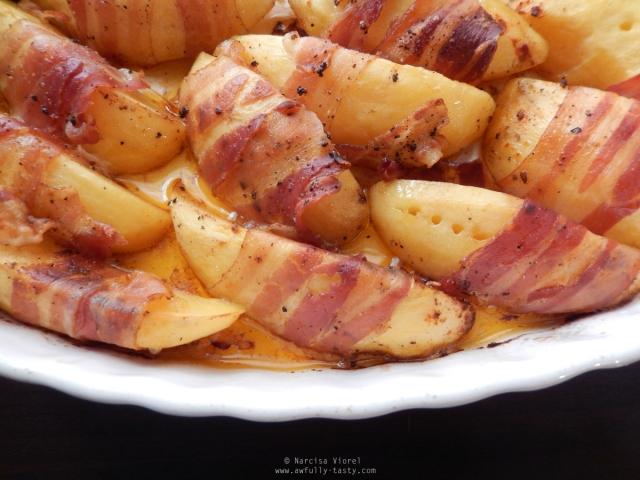 cartofi wedges copti in bacon