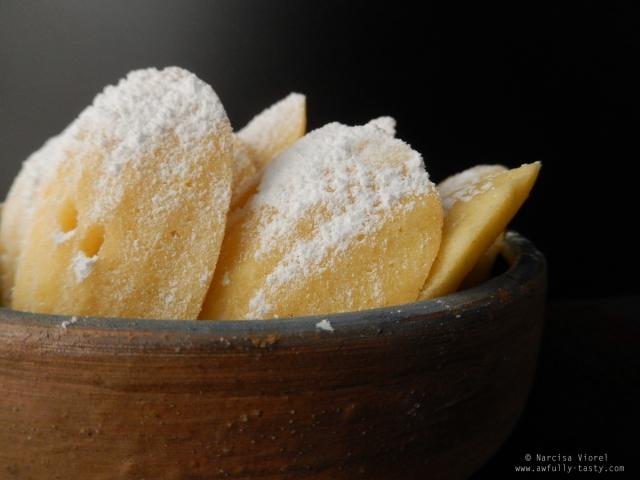 madeleines cu ricotta si lime