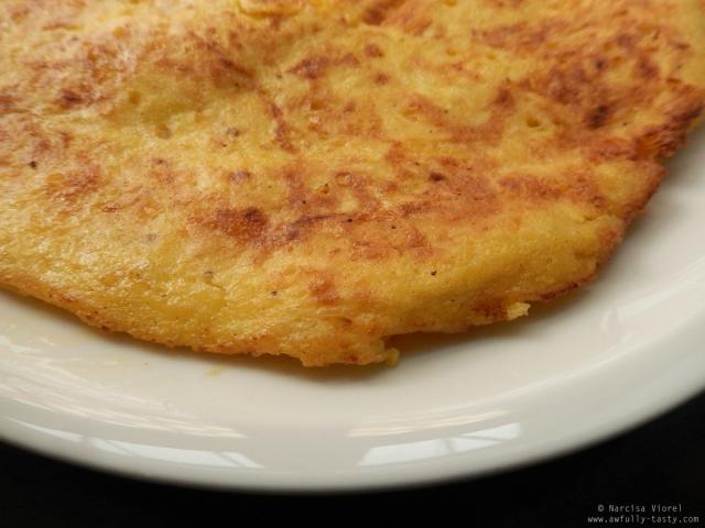omleta cu cheddar si cartofi