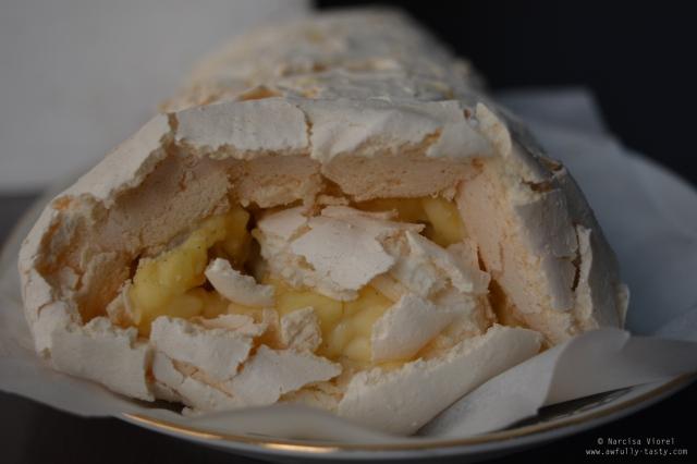 rulada-cu-ananas-si-vanilie